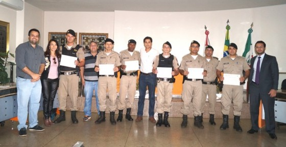 Policiais Militares recebem certificado de reconhecimento em Capinópolis