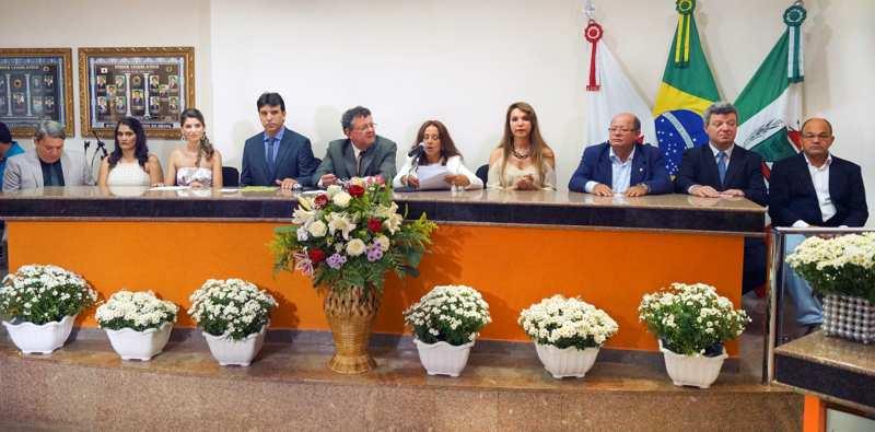 Momento do cerimonial de posse na Câmara Municipal de Capinópolis