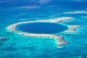 Grande Buraco Azul é uma das maiores atrações turísticas de Belize