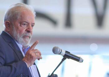 Datafolha aponta vantagem de Lula sobre Bolsonaro para 2022 luiz inacio lula da silva Lula fala em entrevista coletiva