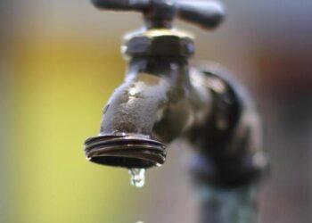 ÁudioPlay: Governo alerta para crise hídrica em cinco estados torneira sem agua 350x250