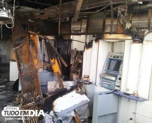 Agência do banco do Brasil ficou destruída em Setembro de 2013 após ser alvo de criminosos