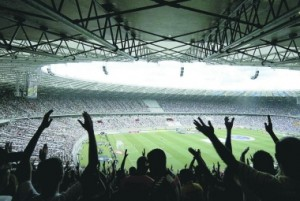 Festa celeste. Na reabertura do Mineirão, há um ano, o Cruzeiro bateu o Atlético por 2 a 1