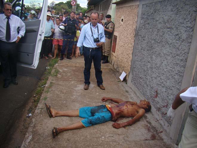 Homem de 29 anos era ex-presidiário e morreu após atirar contra um policial | Foto:  Juliano Carlos