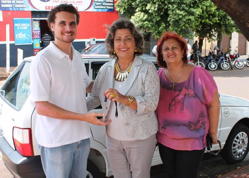 Programa de Combate à Hanseníase e CAPS receberam veículos para auxílio nos trabalhos