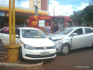 Segundo informações de testemunhas um dos condutores confirmou não ter observado que o semáforo