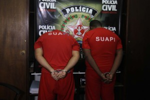 Suspeitos foram apresentados na manhã desta segunda-feira (Foto: Cleiton Borges)