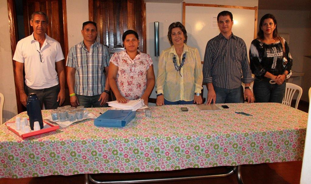 Cohab Minas e Secretaria de Desenvolvimento Social entregaram escrituras