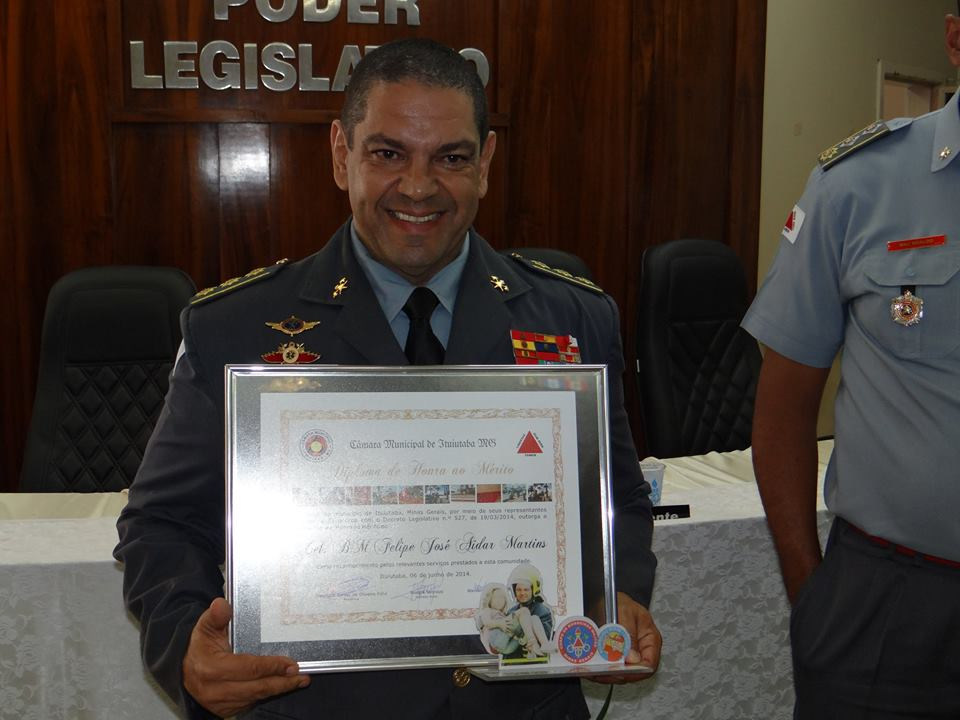 Cel Felipe Comandante do 2º COB