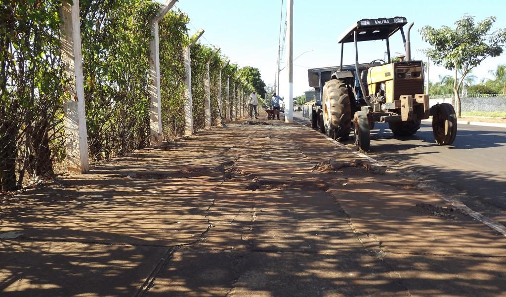 calçadas estão sendo reformadas