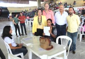 Assinatura aconteceu no ginásio Romão
