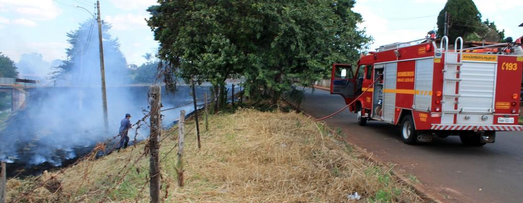 Além de inúmeros danos à saúde de quem reside próximo aos locais onde acontecem as queimadas, prejuízos materiais também são comuns neste tipo de ato