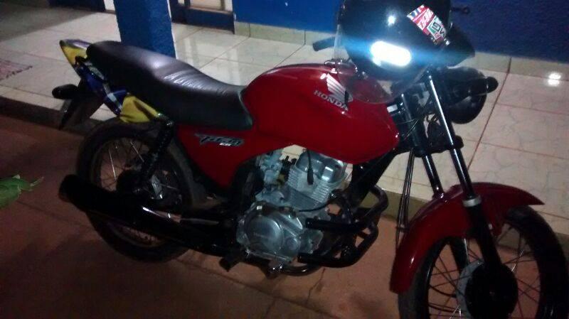 Motocicleta foi roubada na praça João Moreira de Souza