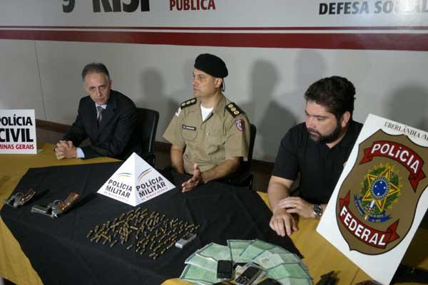 Cerca de 200 homens participaram da operação (Foto: Diogo Machado)