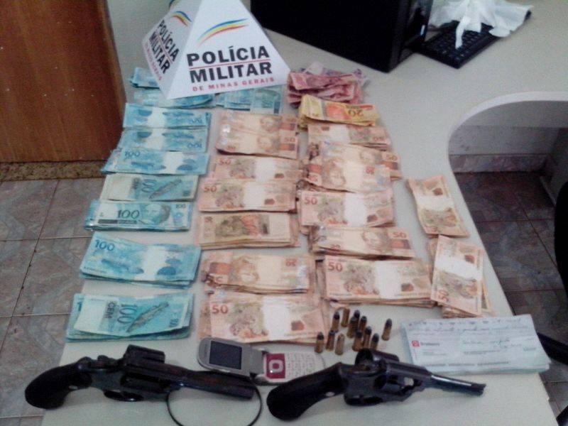 Cerca de R$ 27 Mil havia sido levado pelo criminosos