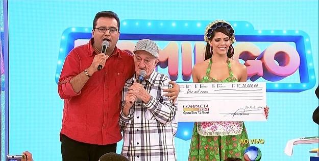 Geraldo Luis paga o cachê de Russo: um cheque de R$ 10 mil pela entrevista contra a Globo