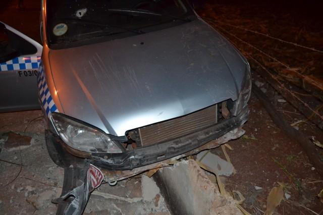 Táxi ficou bastante danificado / Foto: Pontal em Foco