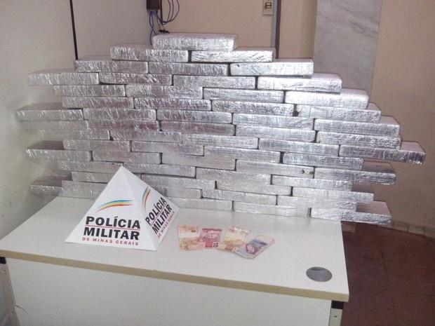 Droga foi apreendida por policias de Ituituaba (Foto: Polícia Militar/Divulgação)