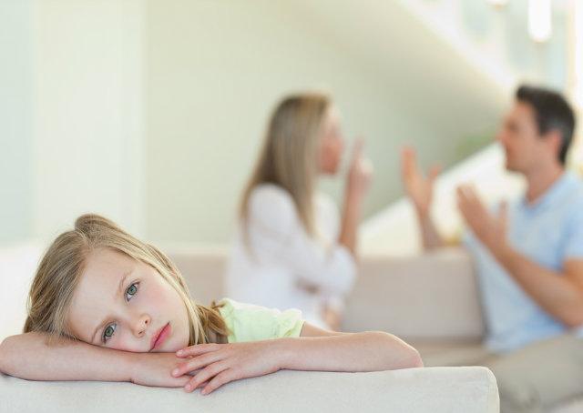 Muitos pais têm tratado suas crianças e adolescentes com mimos e comportamentos super-protetores, impedindo seu crescimento pessoal