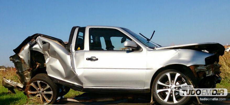 Acidente grave na MGT-154 deixa dois jovens feridos