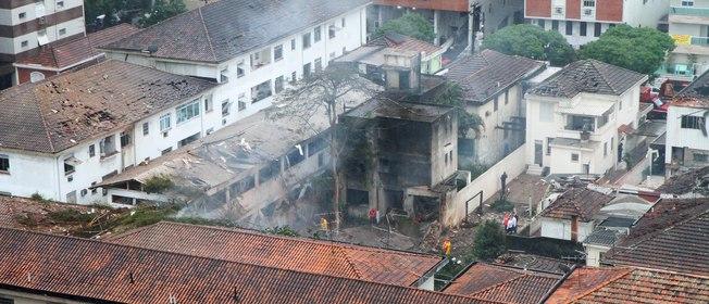 Candidato à presidência da republica Eduardo Campos morre em acidente aéreo em Santos