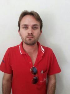 Homem é preso tirando fotos por debaixo do vestido de uma mulher em Uberlândia