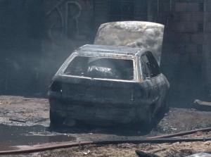 O fogo foi controlado rapidamente e não foi registrado nenhuma vítima.