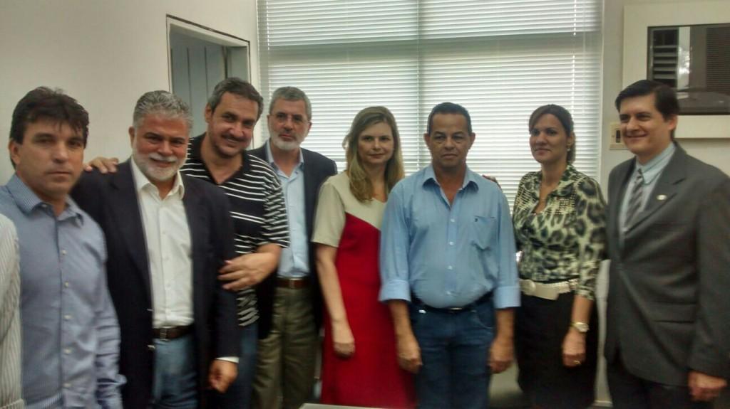 Juiz da comarca de Coruripe (AL) recebe representantes da região para tratar da reativação de usinas sucroalcooleiras
