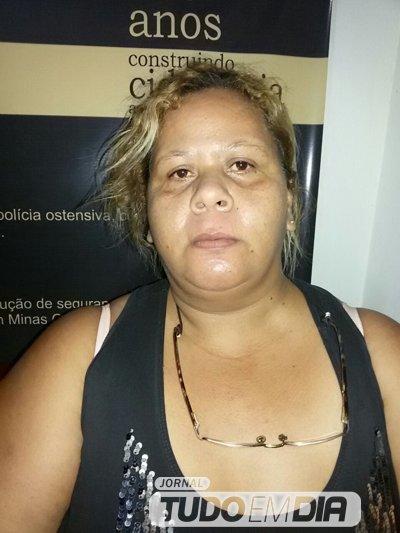 """Maria Genezi de Oliveira, 44 anos, mais conhecida como """"Tinézia"""""""