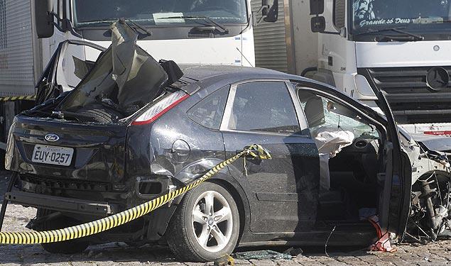 Vítima de sequestro morre no porta-malas após criminosos baterem veículo