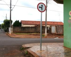 Placas na avenida 103 com a rua 104 / Centro / Foto: Paulo Braga