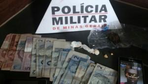 Material apreendido pela Polícia, durante Operação Anti Drogas (Foto: Divulgação / Polícia Militar)