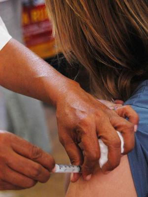 A mulher deverá tomar a dose de reforço a cada gestação (Foto: Divulgação/Pedro Cippo)