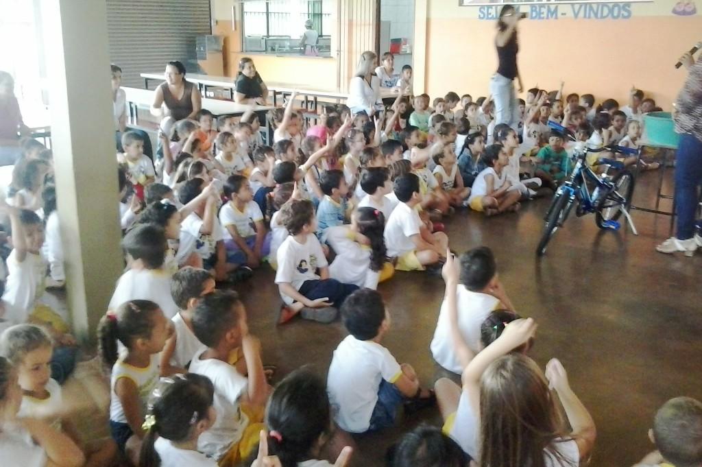 Combate à Dengue vira festa na Escola Branca de Neve