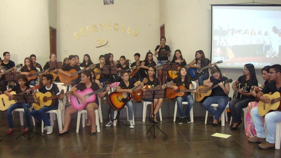 Alunos da Escola de Música recebem certificado nesta sexta-feira