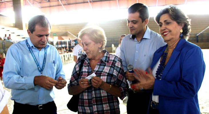 Emoção no sorteio das casas do Nadime Derze 2 em Ituiutaba