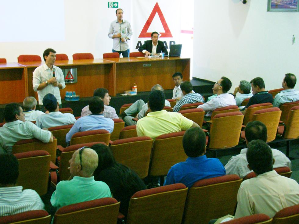CIDES realiza encontro de capacitação para o acompanhamento dos serviços de manutenção da iluminação pública