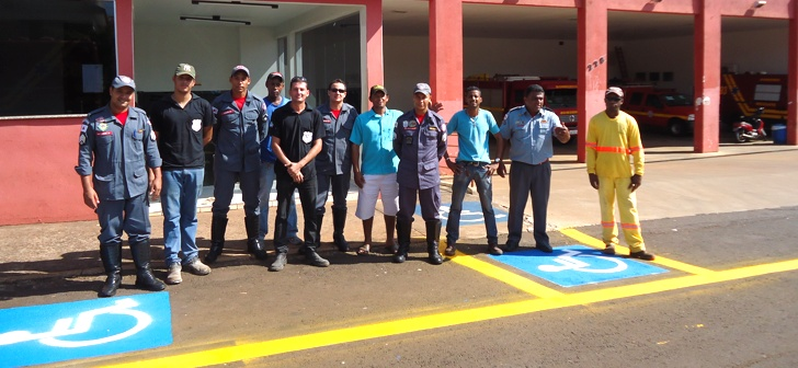 Secretaria de Obras revitaliza sinalização de trânsito em frente ao Corpo de Bombeiros de Ituiutaba