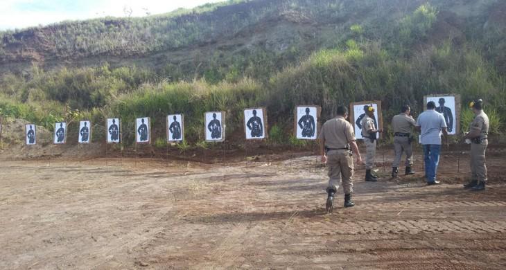 Treinamento de tiro aconteceu na manhã desta sexta-feira (30) em um local reservado à 2km da cidade