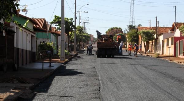 Ruas de Capinópolis receberam asfaltamento