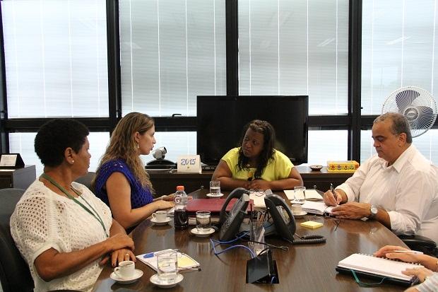 Reunião foi realizada na Cidade Administrativa nesta segunda-feira