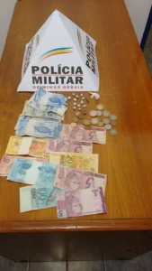 Crack e dinheiro são apreendidos em Ipiaçu