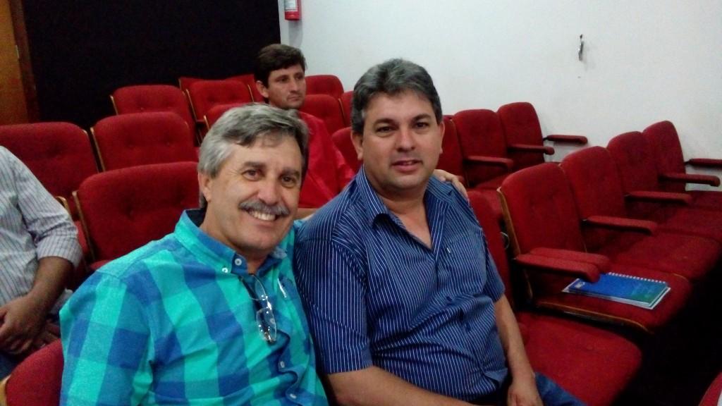 (Esq) Prefeito de Canápolis, Diógenes e o prefeito de Ipiaçu, Léo da Rádio
