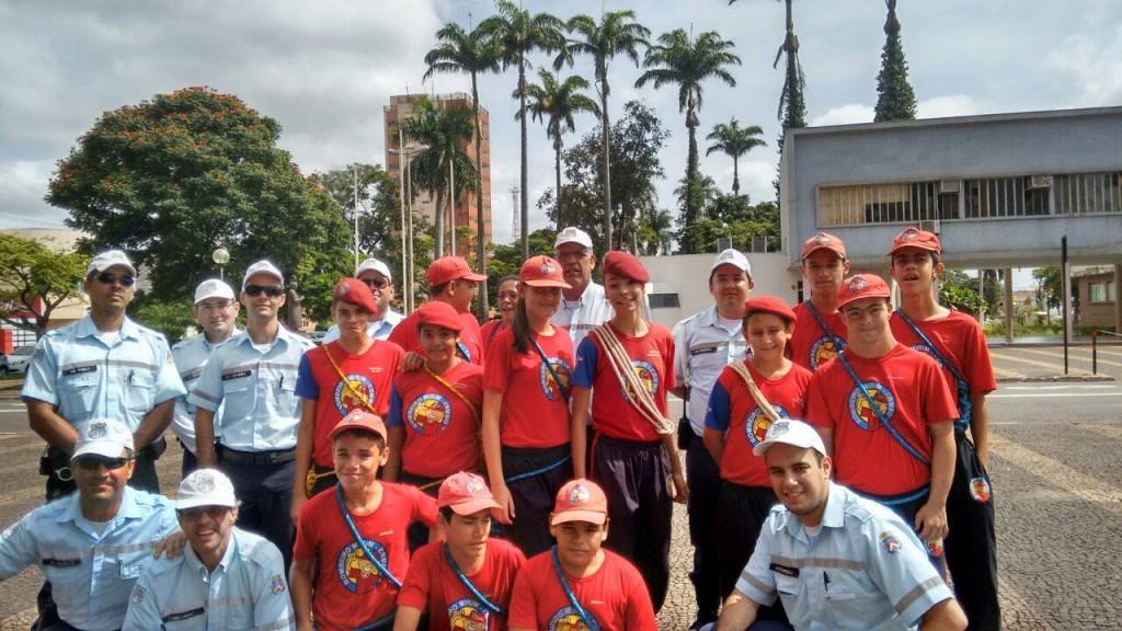 DTTI realiza Blitz educativa no centro de Ituiutaba