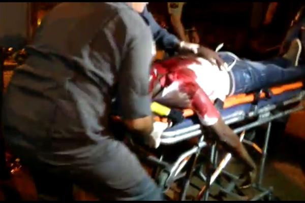 A vítima tinha quatro ferimentos quando foi socorrida (Foto: Reprodução)