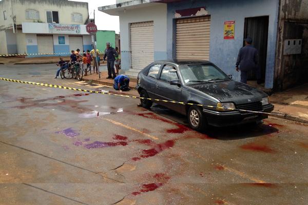Acidente ocorreu no fim da manhã desta segunda (Foto: Cleiton Borges)