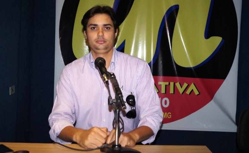 Vereador Jean Carlos durante entrevista para o Jornal Tudo em Dia