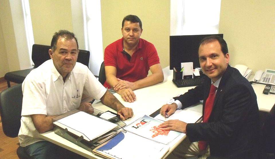 (esq) Paulo Amaral, Caetano Neto e Arnaldo Silva durante visitas à capital mineira Belo Horizonte em Março de 2015 / arquivo