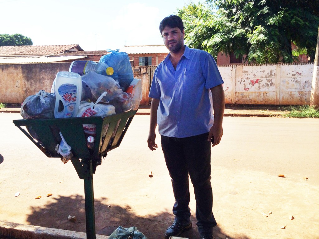 Vereador João Makhoul foi até o Setor Primitivo da cidade para ouvir moradores