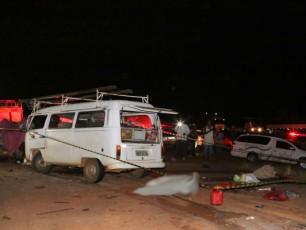 Os 23 envolvidos no acidente são moradores da cidade de Monte Carmelo (Foto: Marcos Ribeiro)